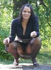 Hausfrau frivole Treffen im Park